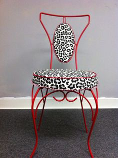 Home Office Decor Dining Room Table Chairs, Farmhouse Dining Chairs, Modern Office Decor, Home Office Decor, Room Design Bedroom, Bedroom Decor, Rockabilly Home Decor, Zebra Chair, Home Decor Furniture