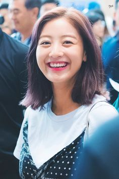 jihyo - twice Kpop Girl Groups, Korean Girl Groups, Kpop Girls, Leader Twice, Park Ji Soo, Sana Minatozaki, Jihyo Twice, Myoui Mina, One In A Million