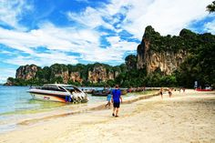 Railay Beach Thailand is famous tourist attractions of the province in the field of Hat Noppharat Thara - Mu Ko Phi Phi. Railay is the name of a mainla...