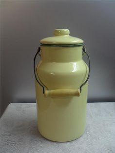 Annons på Tradera: Kockums mjölkkanna gul grön