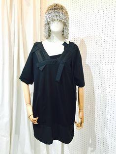 SRITALA : BLACK DETAIL SHORT SLEEVE DRESS#remakeclothes #ream #sritala #changchui #changchuibkk #bangkok #thailand