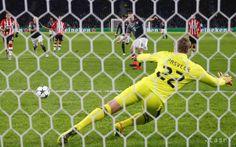 Bayern požiadal nemeckú vládu o vysvetlenie zásahu španielskej polície - Šport - TERAZ.sk Soccer, Bavaria, Futbol, European Football, European Soccer, Football, Soccer Ball