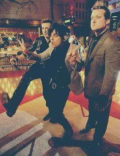 Billie Joe, Mike Dirnt e Tré Cool.