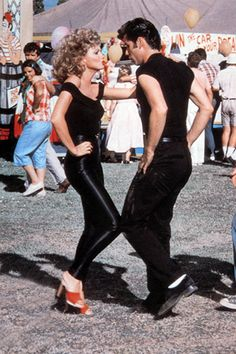 "Olivia Newton John and John Travolta as Sandy and Danny in ""Grease"" performing to ""Better Shape Up"" Musical Grease, Grease Movie, Grease 1978, Grease Sandy, The Grease, Grease Style, Grease Theme, Movies Showing, Rare Photos"
