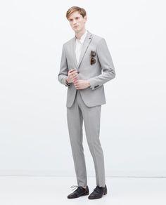 moda-trajes-hombre-verano-2015-traje-gris-claro- 22569f12445
