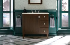 KOHLER   Poplin™ tailored vanity collection