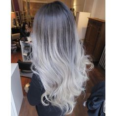 """""""So I was going to bleach out the top and do something crazy to this yesterday..but after all my clients I was too exhausted to even try. Colour…"""""""