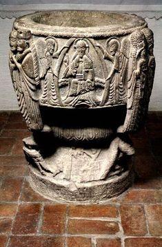 Dopfunt av stenmästaren Majestatis. Från Tryde kyrka i Skåne, 1100-tal.