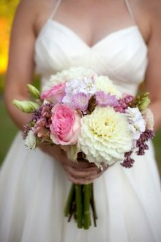 These color florals for a white, grey and navy wedding. Perfect for the shower!