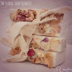The Floral Soap Quartet es un regalo HERMOSO con cuatro jabones orgánicos artesanales con acento floral natural para todo tipo de evento que enamora a primera vista! $150 Pesos lacanasteria@gmail.com www.lacanasteriagiftbaskets.com 045 2222 99 90 92