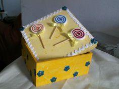 Caixa de MDF decorada com EVA
