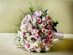 Lovely flower bouquet for a Dubai bride.