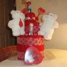 red and white valentine towel cakes