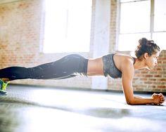 Bei der Plank ist Körperspannung gefragt.