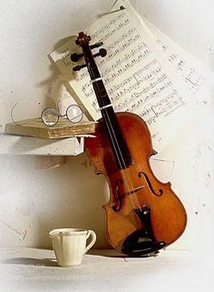violin and a cup of coffee. Sponsored Sponsored violin and a cup of coffee. Violin Art, Violin Music, Art Music, Music Songs, Violin Photography, Still Life Photography, Music Love, Good Music, Musica Celestial