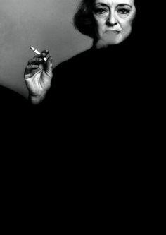 Bette Davis, 1971 -by Victor Skrebneski                                                                                                                                                                                 Mais