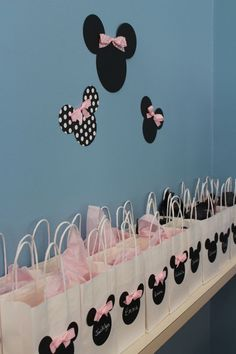 Minnie Mouse favor bags with chalkboard tags