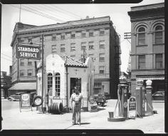 Gas Station At State And Franklin Street In Huntington Indiana According To The Back Of