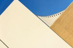 Should the sky be filled with blue? Ph. Patrícia Pereira november 2 015
