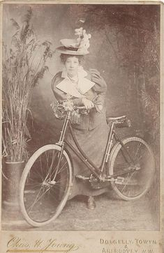 40 Interesting Vintage Photos of Women Posing With Bicycles from the Victorian and Edwardian Eras