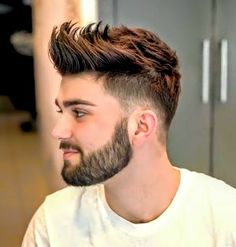 Mens Hairstyles 2018, Cool Hairstyles For Men, Stylish Haircuts, Hairstyles Haircuts, Haircuts For Men, Beard Haircut, Fade Haircut, Medium Hair Styles, Short Hair Styles