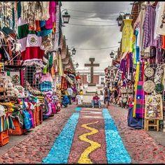 Mercado de Artesanías El Parián. Puebla, México.