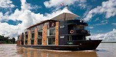 Плавучий отель в Перу Этот плавучий отель совершает маршруты по реке Амазонке в Перу. Он был разработан перуанским архитектор Jordi Puig.