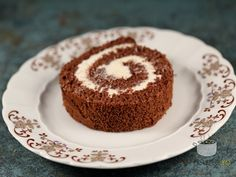 Rulada de cacao cu mascarpone Cooking Recipes, Healthy Recipes, Healthy Foods, Sweet Tooth, Sweet Treats, Cheesecake, Muffin, Good Food, Rolls