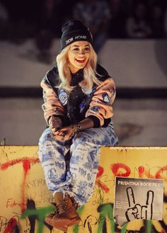 Rita Ora...LOVE this look on her