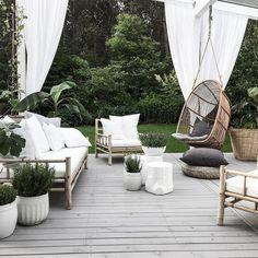 charming boho garden ideas for outdoor living decor. Outdoor Spaces, Outdoor Living, Outdoor Decor, Boho Garden Ideas, Terrasse Design, Patio Furniture Sets, Furniture Ideas, Furniture Dolly, Recycled Furniture