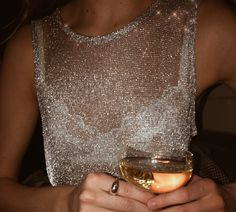 Glitter top, perfect date outfit, girls night out, pop the champagne (source unknown) Look Fashion, Womens Fashion, Fashion Clothes, Street Fashion, Fashion Outfits, Vogue, Moda Chic, Inspiration Mode, Fashion Inspiration