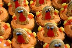 OMG! Could these be any cuter... I can't wait to make these with Ms. Kylie Marie this year. Gobble gobble!