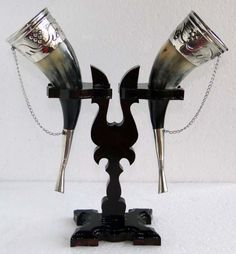 double horn goblet stand