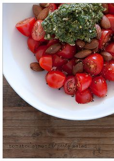 tomato almond and pesto salad
