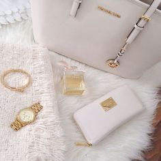 Michael Kors Handbags Free Shipping available. Buy Now!