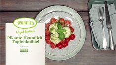 Pikante Heumilch - Topfenknödel mit Tomaten Ragout.  Die Topfenknödel werden mit frischem Pesto verfeinert. Brunch, Pesto, Tacos, Mexican, Ethnic Recipes, Food, Cooking Recipes, Eat Lunch, Dinners