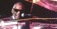 """""""Ray"""" - Kino-Tipp - Der Film zeigt die Geschichte von Ray Charles (Jamie Foxx), einem der einflussreichsten Rhythm'n'Blues- und Soul-Musiker der USA."""
