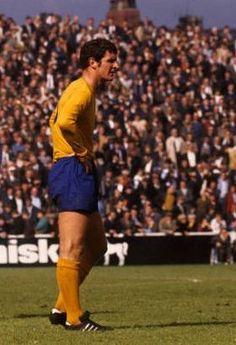 Brian Labone Everton 1970 Everton Fc, Team Player, Coming Home, The Past, Kicks, Soccer, England, Clock, Football
