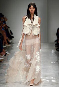 Romance with an Attitude – Blumarine Spring Summer 2016 Fashion Show collection #mfw