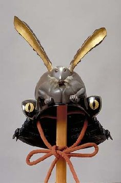 跳ねたいほどに可愛らしいっ!ウサギちゃんがモチーフの武将の「変わり兜」まとめ – Japaaan 日本の文化と今をつなぐ