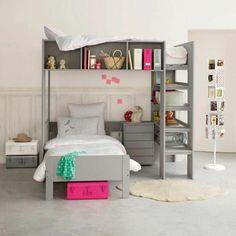 lit mezzanine conforama dans la chambre d'enfant, lit en bois gris, murs blancs