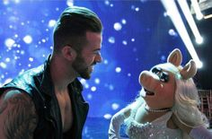 Caught off screen in a romantic chat? @artemchigvintse @MissPiggy #Muppets #DWTS