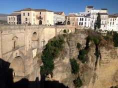 How to Get to the 'pueblo blanco' (white village) of Ronda from Malaga
