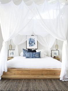 Vill du göra sovrummet mysigare i höst? Inred med textil och sov under en sänghimmel. Inspireras av fem sänghimlar i olika stilar som du kan skapa själv.