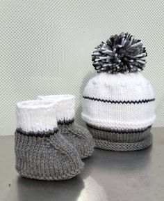 Check out this item in my Etsy shop https://www.etsy.com/listing/271104372/oakland-raiders-baby-hats-grey-knit-hats