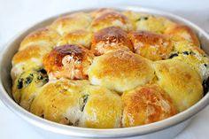 Colazione per tutti. Un centrotavola di pane... tanti colori e sapori per rendere più divertente e allegro il brunch!