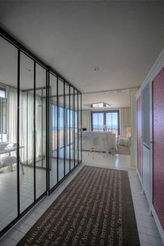 Vue sur Pinterest #Hotel #Room #Bed #Suite #Starck
