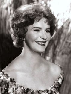Geraldine Page died 30 years ago on June 1987 aged 62 RIP Hollywood Stars, Classic Hollywood, Geraldine Page, Beautiful Girl Body, Guys And Dolls, Female Stars, Best Actress, American Actress, Celebrity News