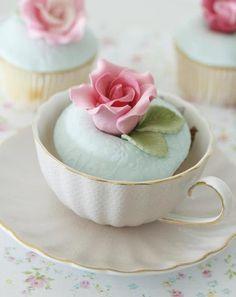 Tea and rose cakes Achei super interessante esse tipo de uso, até porque se for embalado em celofane decorado, dá um belo presentinho...