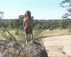 La adorable infancia de una niña que creció junto a animales africanos | La Bioguía